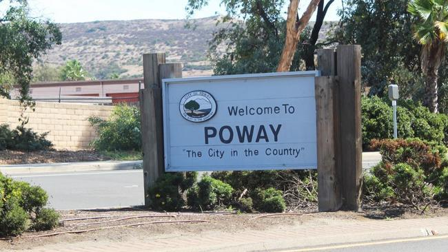 Welcome to Poway sign